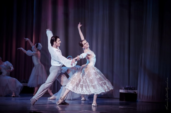 "Alexandre Olshansky is a graceful Alexandre and Anastasia Shevkenko is a dazzling Marie in the ballet ""La Dame aux Camélias,"" choreographed by Aniko Rekhviashvili  at the Opera and Ballet Theatre of Ukraine. (Opera and Ballet Theatre of Ukraine)"