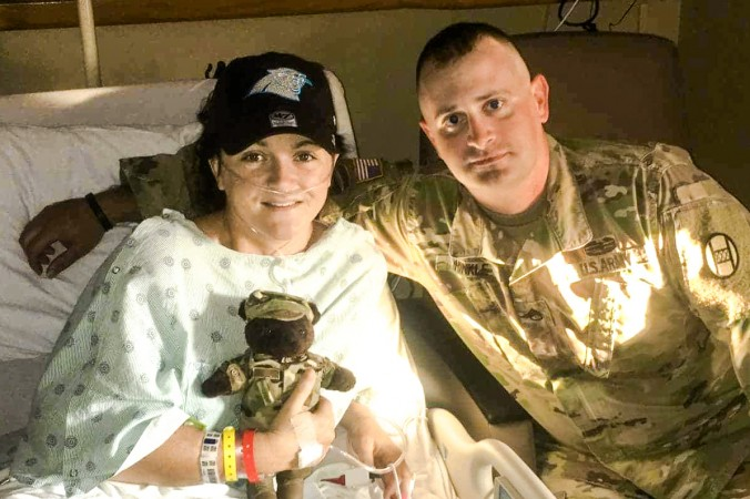 Brandy Guin (L) with Sgt Cory Hinkle in Carolinas HealthCare System hospital in Shelby, N.C., on Sept. 19, 2017. (Courtesy of Cory Hinkle)