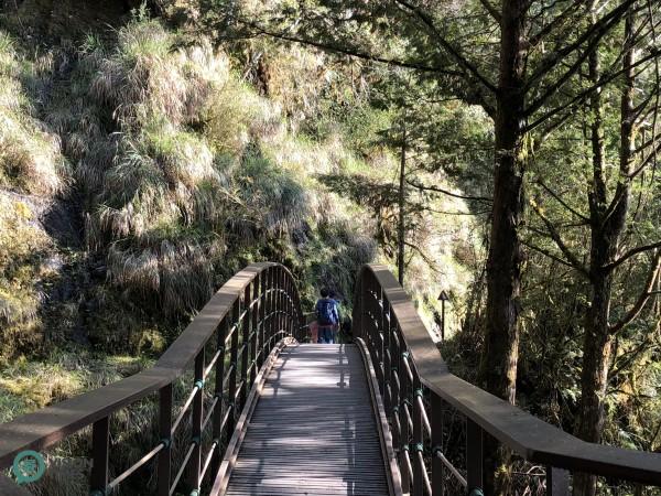 A bridge in Jiancing Historic Trail (Image: Julia Fu / Vision Times)