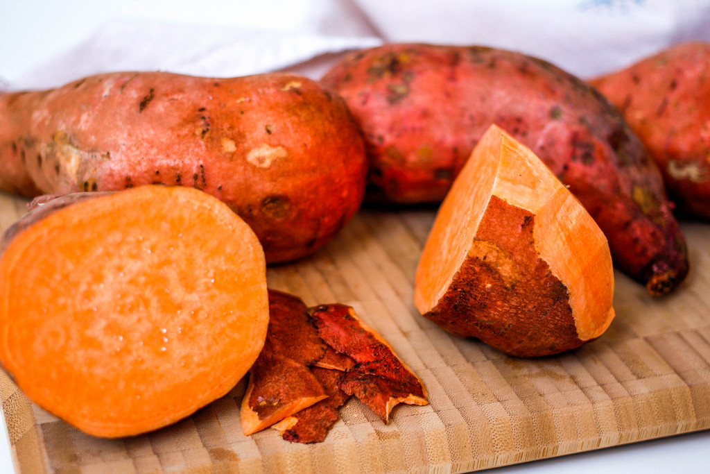 There are lots of ways to enjoy the health benefits of sweet potatoes. (Image via: wuestenigel Flickr via Compfight cc)