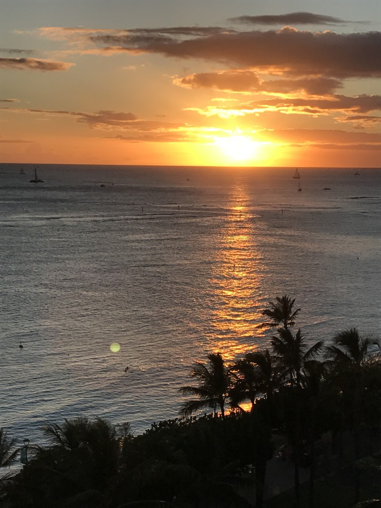 Sunset at Waikiki Beach. (Image: Laura Cozzolino)