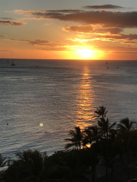 Sunset at Waikiki Beach. (Photo: Courtesy of Laura Cozzolino)