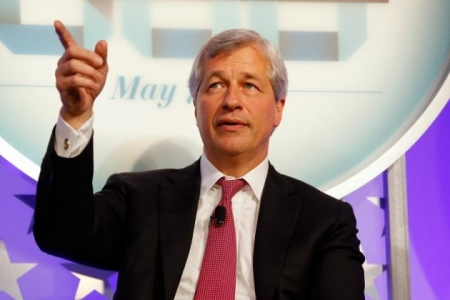 Chairman and CEO of JPMorgan Jamie Dimon speaks at a Fortune 500 event at the New York Stock Exchange on May 7 in New York City. Dimon, like many establishment players, likes blockchain but not bitcoin. (Jemal Countess/Getty Images for Time)